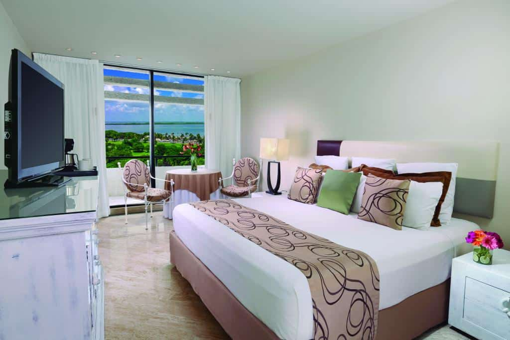 Grand Oasis Resort Cancun holiday