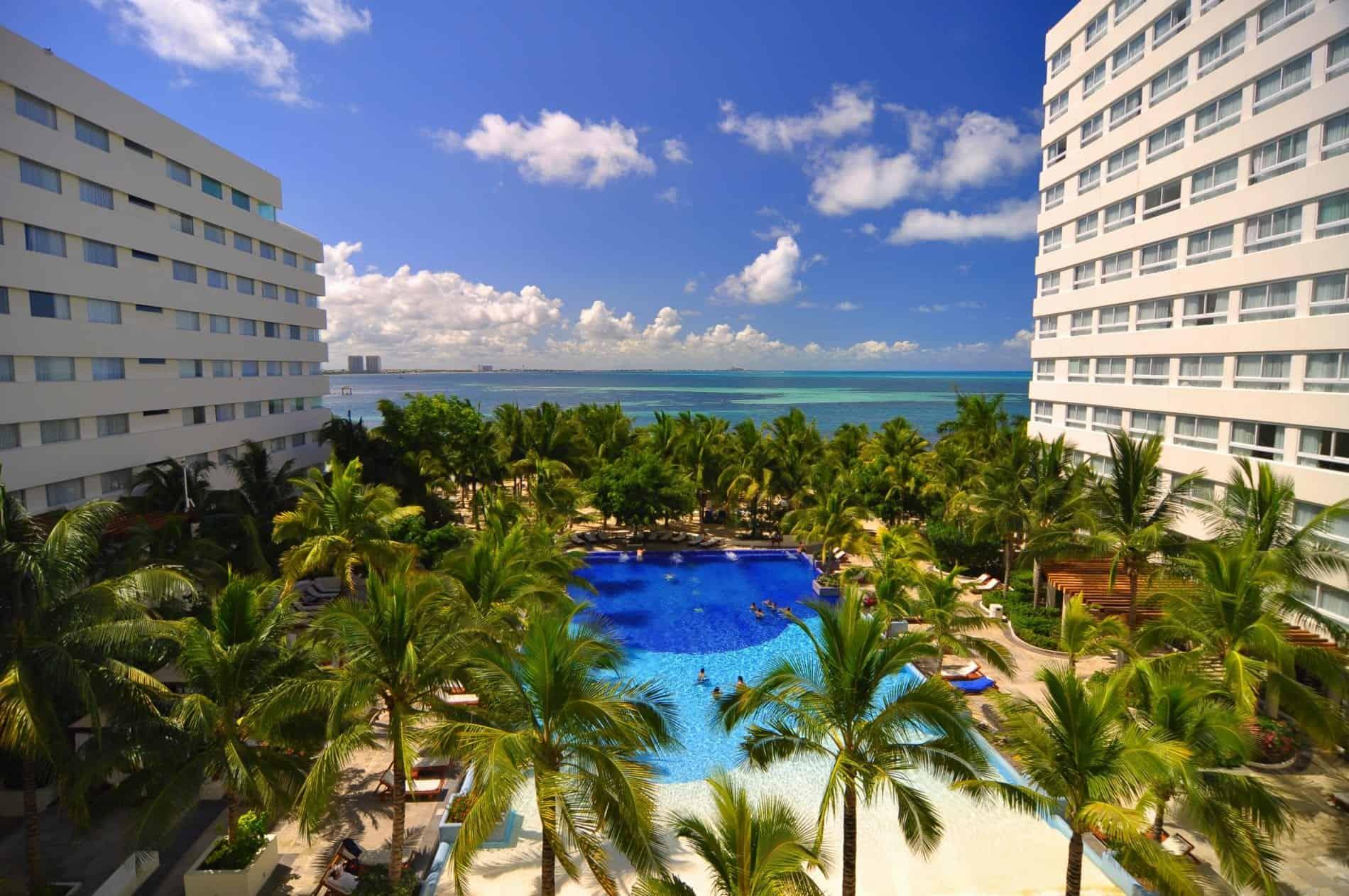 Grand Oasis Resort Cancun beach holiday