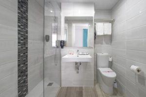 Hotel Tropical San Antonio Ibiza - bathroom