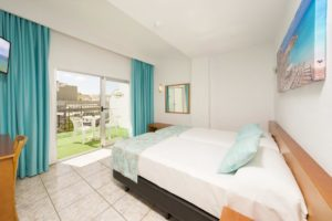 Hotel Tropical San Antonio Ibiza - bedroom 3
