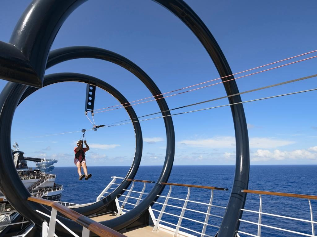 MSC Grandiosa - pool - Cruise holidays