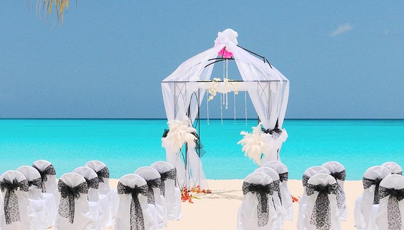 Destination wedding set up on teh beach in the Caribbean