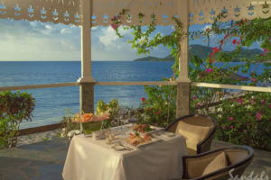 Romantic dining - Sandals Halycon - St Lucia